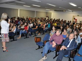 Foto dos alunos no auditório