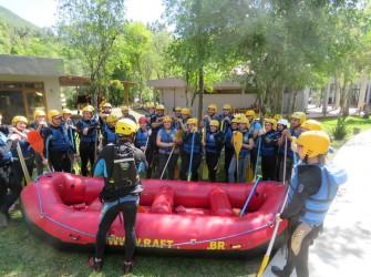 Foto dos alunos no rafting