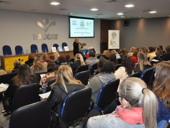 Educadores participando do lançamento do segundo fascículo do Projeto LER