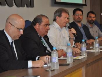 Delmar Backes explanando sobre a integração entre os municípios