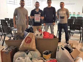 Acadêmicos entregam donativos em Rolante